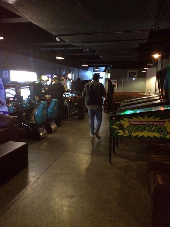 bartronica_arcade_pinballs