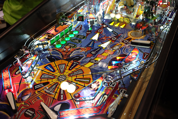 OzComic-Con-SpidermanVE_playfield