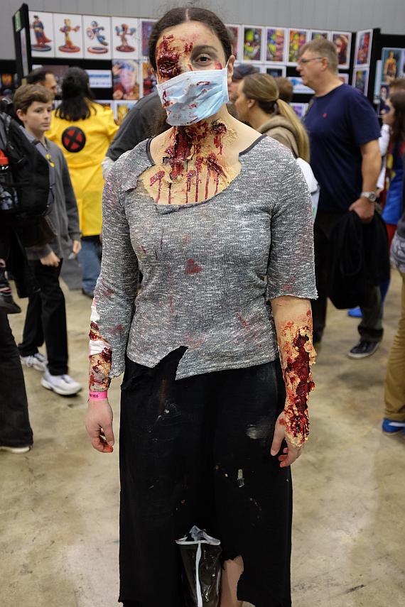 OzComic-Con-zombiegirl